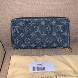 Louis Vuitton Denim Zippy Wallet